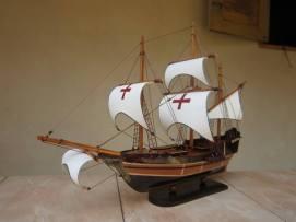 miniatur kapal layar santa maria