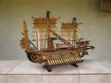 miniatur kapal perang majapahit