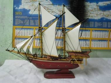 miniatur kapal pinisi